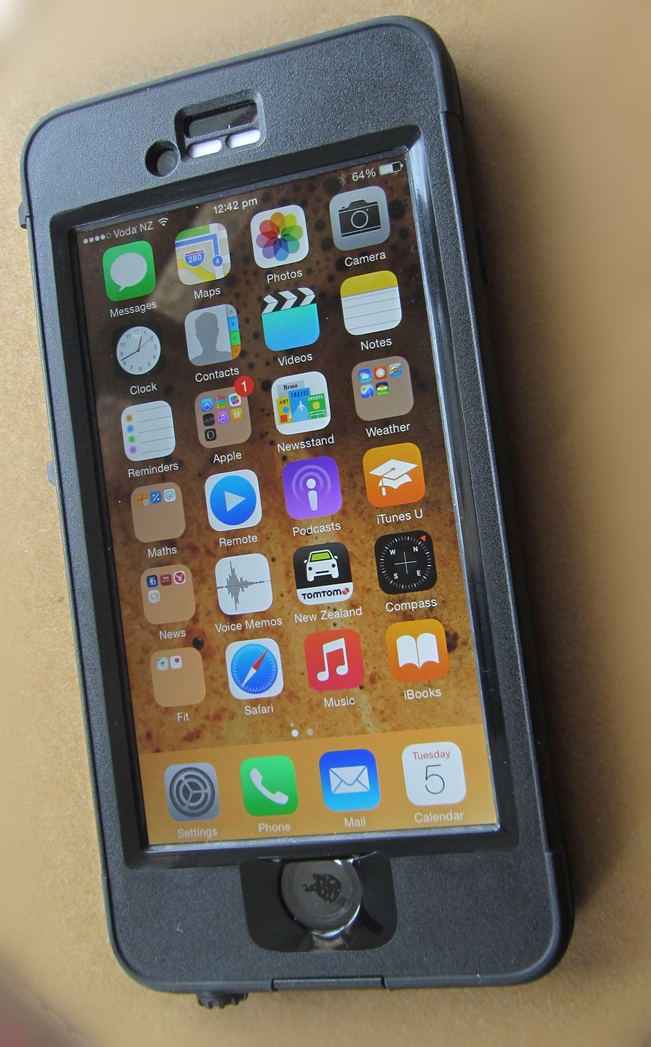 buy online 84ac0 18a3a Review — LifeProof expands range with iPhone 6 cases and mounting ...