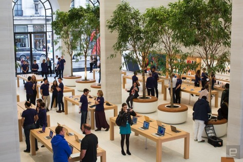 The Apple Store in Regent Street, London has reopened.